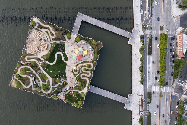 Фото №1 - Парк Little Island в Нью-Йорке по проекту Томаса Хезервика