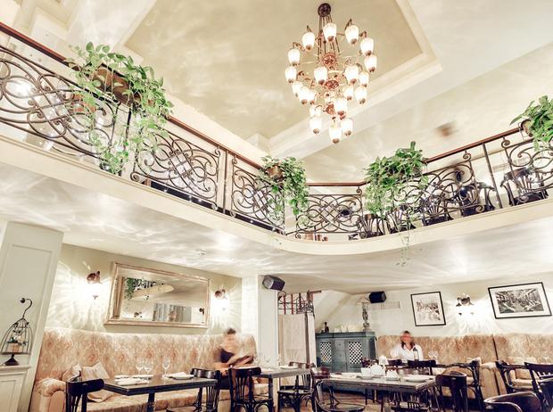 Фото №11 - Париж в Москве: 6 ресторанов, где подают лучшие французские десерты