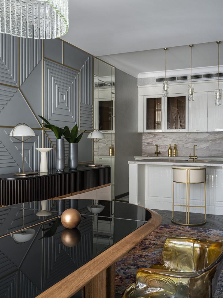 Фото №2 - Эклектичная квартира для большой семьи в центре Москвы