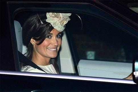 Фото №1 - Самые стильные гости на крещении принца Джорджа