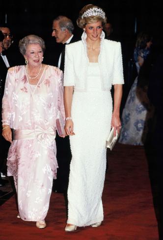 Фото №4 - Диана в Гонконге: наряды самого яркого королевского тура 80-х