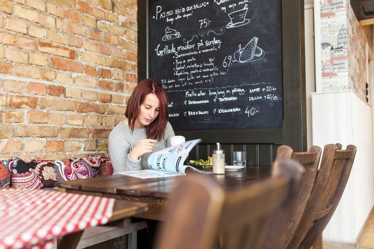Фото №1 - Ученые объяснили, почему мы не можем решить, что заказать в ресторане