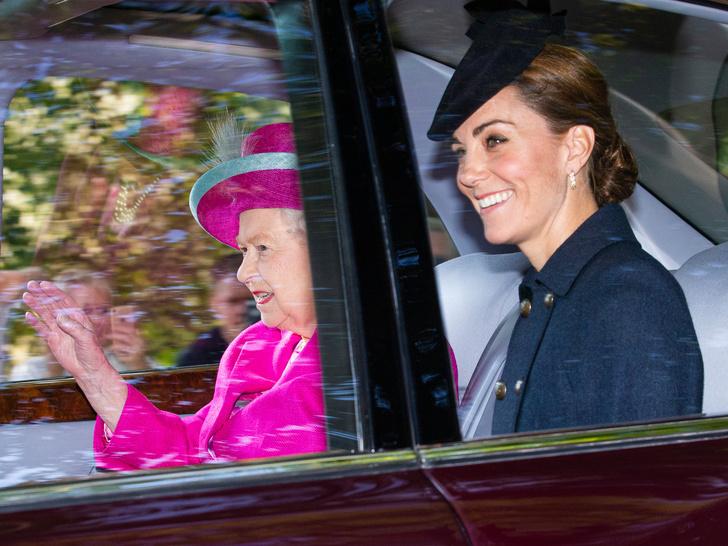 Фото №1 - Особая привилегия, которую Кейт получила от Королевы еще до свадьбы