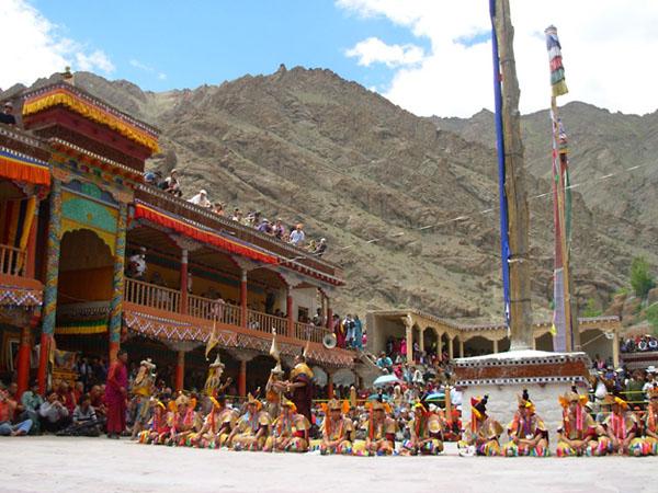 Фото №5 - Божественный розыгрыш в Тибете