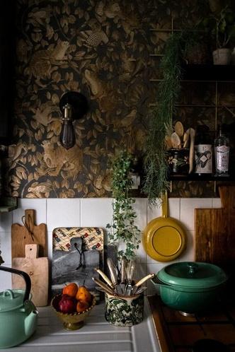 Фото №7 - Маленькая квартира с цветочными мотивами в Париже