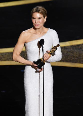Фото №3 - От Брэда Питта до Рене Зеллвегер: все победители «Оскара-2020»
