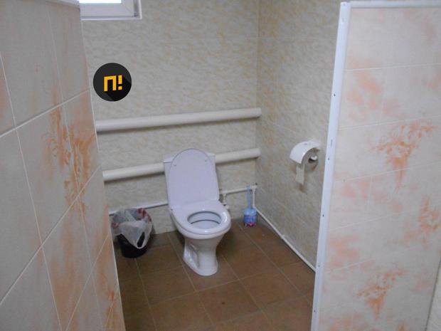 Фото №2 - В орловской школе торжественно открыли первый почти за 150 лет туалет не на улице
