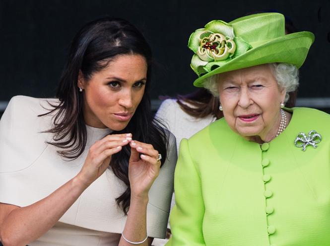 Фото №17 - Как герцогиня Меган разбудила «внутреннего ребенка» королевы