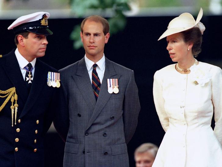 Фото №3 - Кого Королева считает своим самым «трудным» ребенком (спойлер— это не Чарльз и не Эндрю)