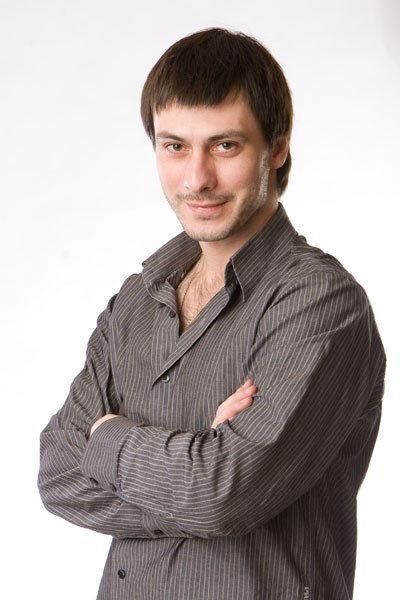 Фото №32 - Играя, сердце разбивают: двенадцать омских актеров-красавцев. Голосуем!