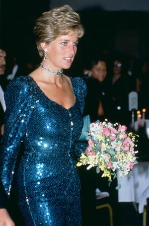 Фото №7 - Эксперты: герцогине Меган пора перестать копировать принцессу Диану