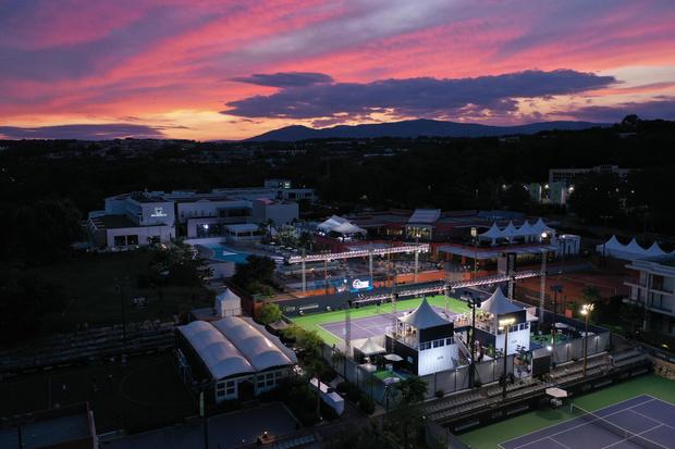 Фото №2 - Парная игра: часовой Дом Zenith создал хронограф в честь открытия нового теннисного турнира