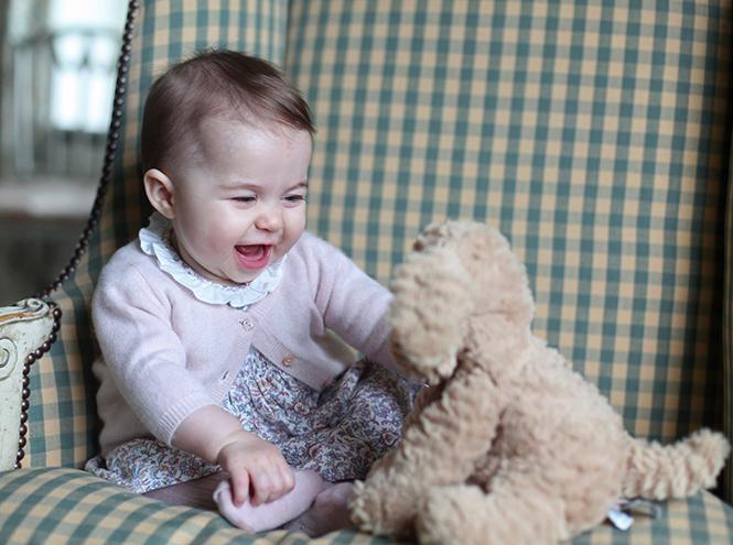 Фото №12 - Принцесса Шарлотта Кембриджская: первый год в фотографиях