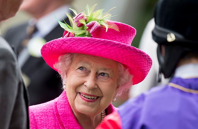 Фото №3 - Берегитесь женщин: яркие моменты 3-го дня на Royal Ascot 2017