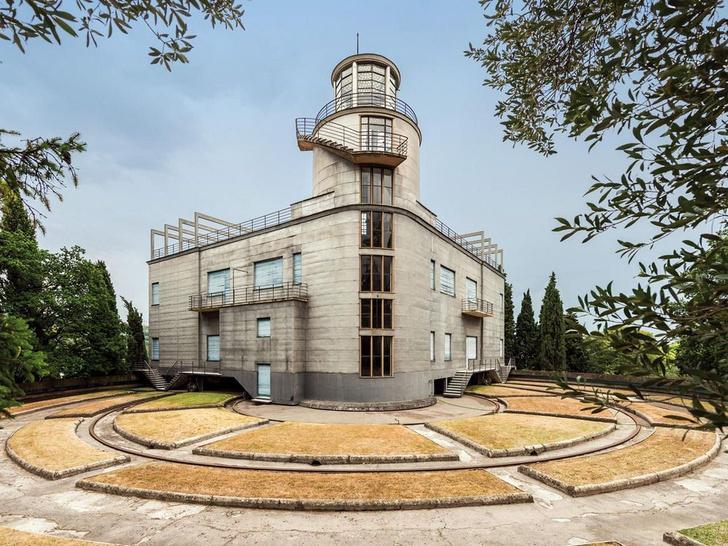 Фото №3 - Каменный подсолнух: история дома, который вращался вокруг своей оси