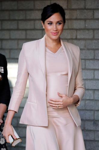 Фото №9 - Royal pink: как королевские особы носят розовый цвет