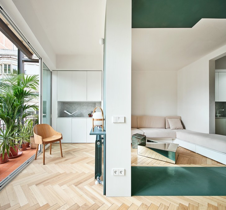 Фото №4 - Квартира с зеленой перегородкой в Барселоне