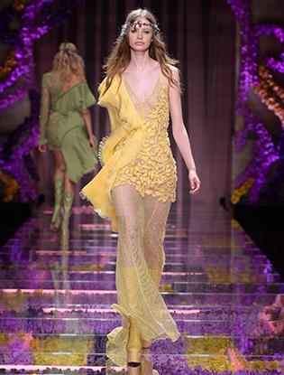 Фото №10 - Неделя Высокой Моды в Париже: Atelier Versace FW2015/16