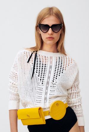 Фото №4 - Сезон геометрии: необычные сумки Maje для модных экспериментов
