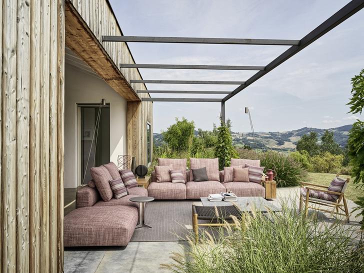 Фото №1 - Зеленый оазис: мебель и аксессуары для балконов и террас