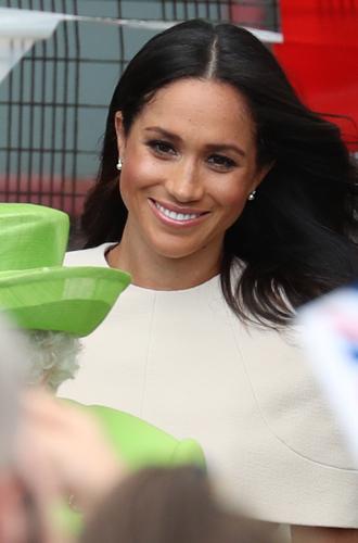 Фото №7 - Герцогиня Меган тратит на наряды больше герцогини Кейт