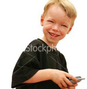 Фото №1 - Интернет преследует детей через мобильники
