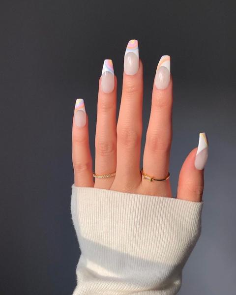 Фото №4 - Какая форма ногтей в тренде этой осенью: 12 идей для стильного маникюра