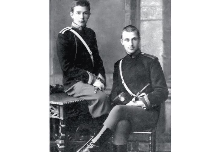 Начинающий кавалерист Маннергейм (справа) и его товарищ