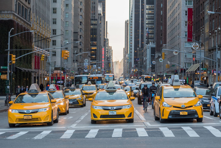 Фото №3 - По земле, воздуху и воде: как работает такси в разных уголках мира