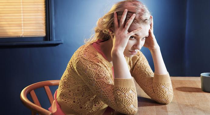 Зачем мы регулярно играем роль «жертвы» в отношениях