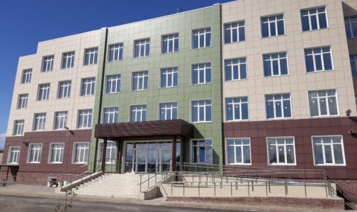 Фото №1 - В Гатчине построили новую поликлинику