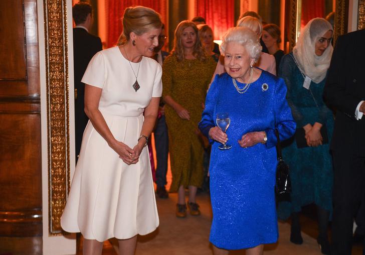 Фото №2 - Любимая невестка: как изменились отношения Королевы и Софи Уэссекской после смерти принца Филиппа