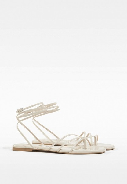 Фото №2 - Самые модные сандалии на лето 2021