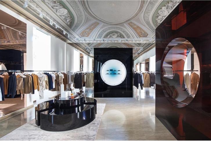 Фото №2 - Бутик Salle Privée в Милане по дизайну Сабин Марселис