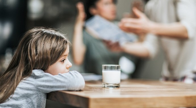 Почему важно извиниться перед детьми за развод и как это сделать