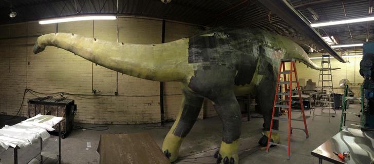 Фото №6 - Отец своими руками построил детям 14-метрового динозавра— детскую площадку (фото и видео)