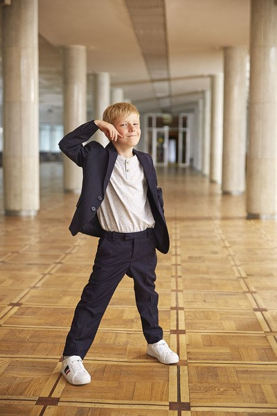 Фото №5 - Прийти в форму: как подобрать школьный образ, который понравится и маме, и директору, и ребенку