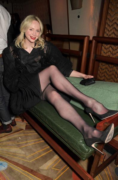 Фото №1 - Великанша из «Игры престолов» оголила ноги в мини-платье