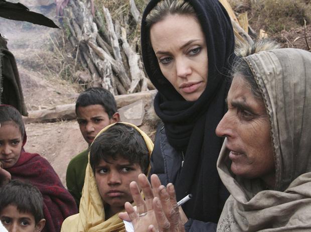 Фото №13 - 6 навязчивых идей Анджелины Джоли, разрушивших ее брак