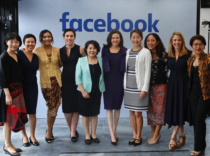 Фото №10 - Королева соцсетей: история Шерил Сэндберг, второго человека в Facebook