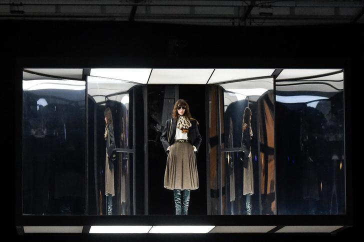 Фото №34 - 7 запоминающихся шоу на Неделе моды в Париже