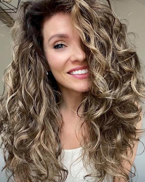 Фото №4 - Сколько типов волос существует на самом деле и как за ними ухаживать