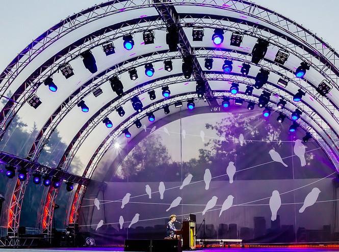 Фото №1 - Зеленый театр ВДНХ. Сцена на воде представляет серию концертов «Неоклассики»
