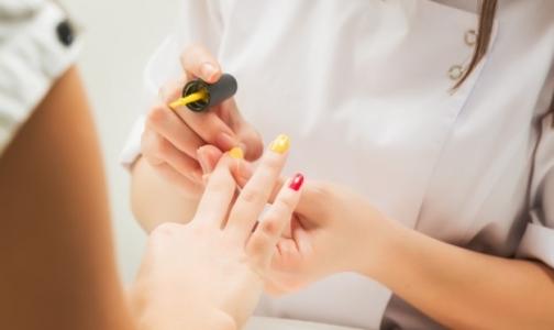 Фото №1 - Роспотребнадзор: Как не заразиться гепатитом в салоне маникюра
