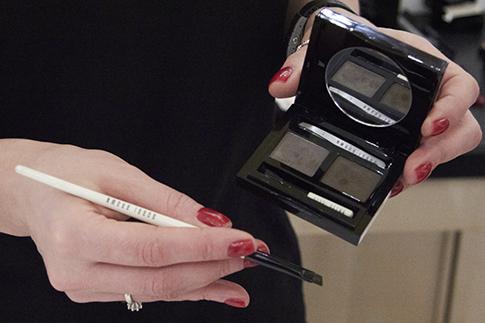 Фото №9 - Как сделать дневной макияж: мастер-класс Bobbi Brown