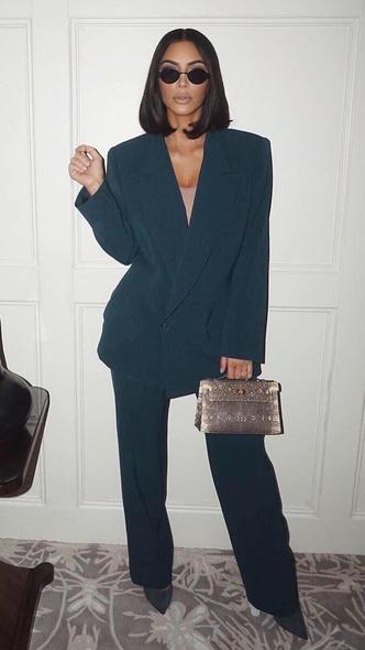 Фото №7 - Первая леди Уэст: как Ким Кардашьян могла бы одеться на инаугурацию Канье