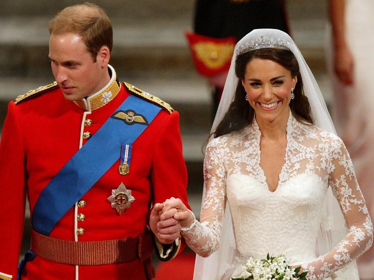 Фото №1 - Особое приданое: чем Кейт отличалась от других королевских невест