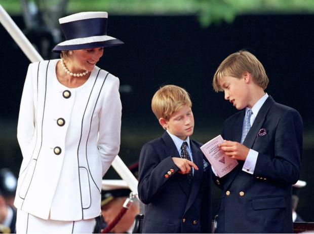 Фото №2 - Почему Камилле пришлось долго ждать свадьбы с принцем Чарльзом
