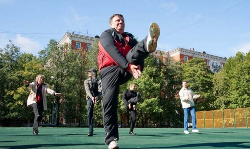 Фото №1 - Коллективные занятия утренней гимнастикой входят в моду