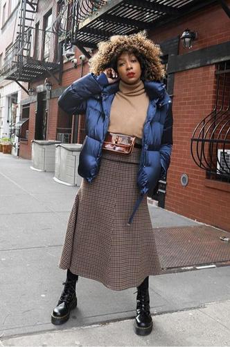 Фото №10 - Inspiration: смотри, с чем носить дутую куртку зимой 2020-2021